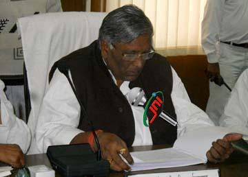 फर्रुखाबाद के प्रभारी मंत्री रहे शिव प्रकाश बेरिया सपा से निष्कासित