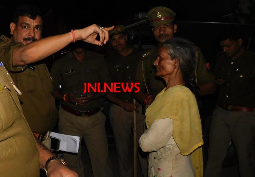 कोर्ट के आदेश पर पुलिस ने मकान कराया खाली