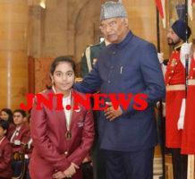 फर्रुखाबाद कीबिटिया को राष्ट्रपति नें किया सम्मानित